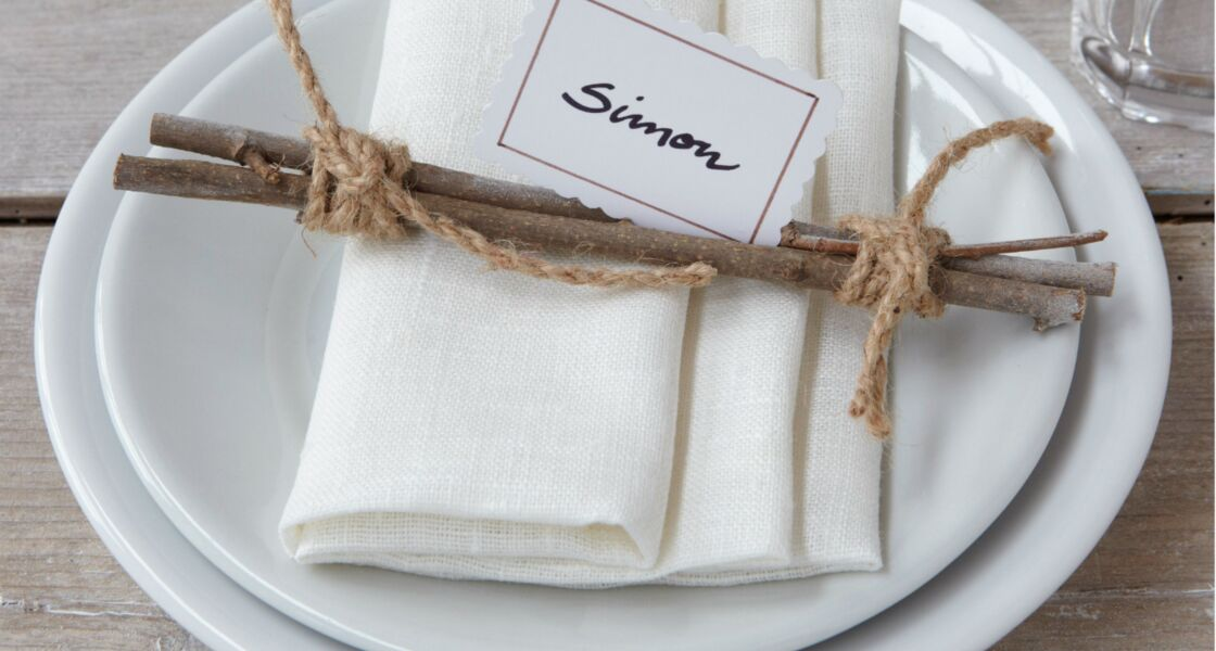 Pliage de serviettes des id es pour ma table de f te - Comment placer les couverts sur une table a manger ...
