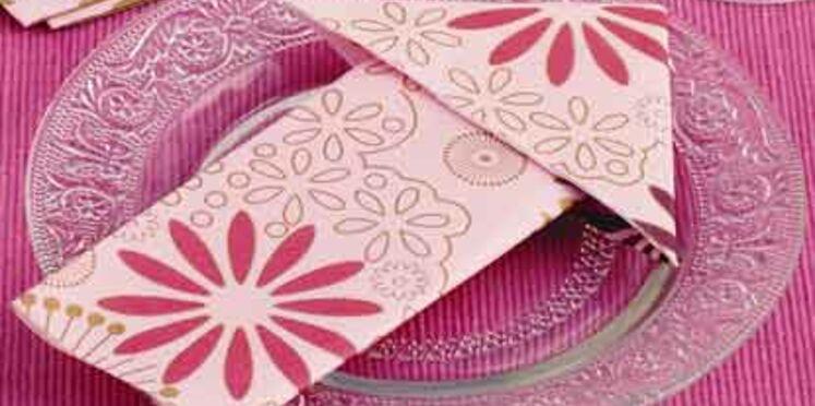 Pliage de serviettes : la flèche