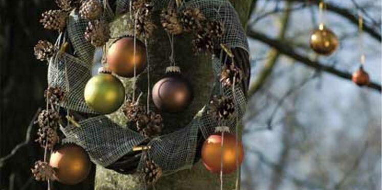 Une couronne de Noël pour l'extérieur