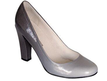e7e073f73bc87 Quelle chaussure grise choisir ? : Femme Actuelle Le MAG