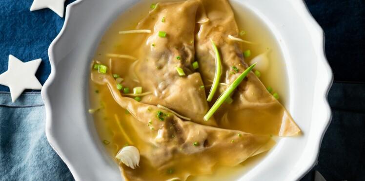 Ravioles de foie gras frais, bouillon aux saveurs asiatiques par Ophélie Barès