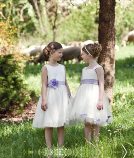 a6c5f5991becd Collection 2012   les plus belles tenues d enfants d honneur   Femme ...
