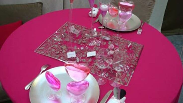 Une table de fête pour la Saint Valentin : conseils en vidéo