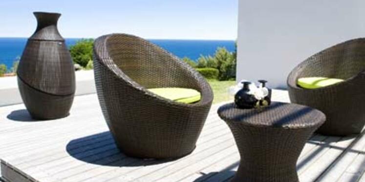 Du mobilier pour se prélasser au bord de la piscine
