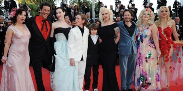 Les effeuilleuses de Mathieu Amalric réchauffent Cannes !