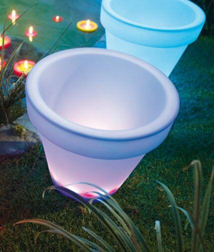 Luminaires D Exterieur Egayez Votre Jardin Cet Ete Femme Actuelle Le Mag