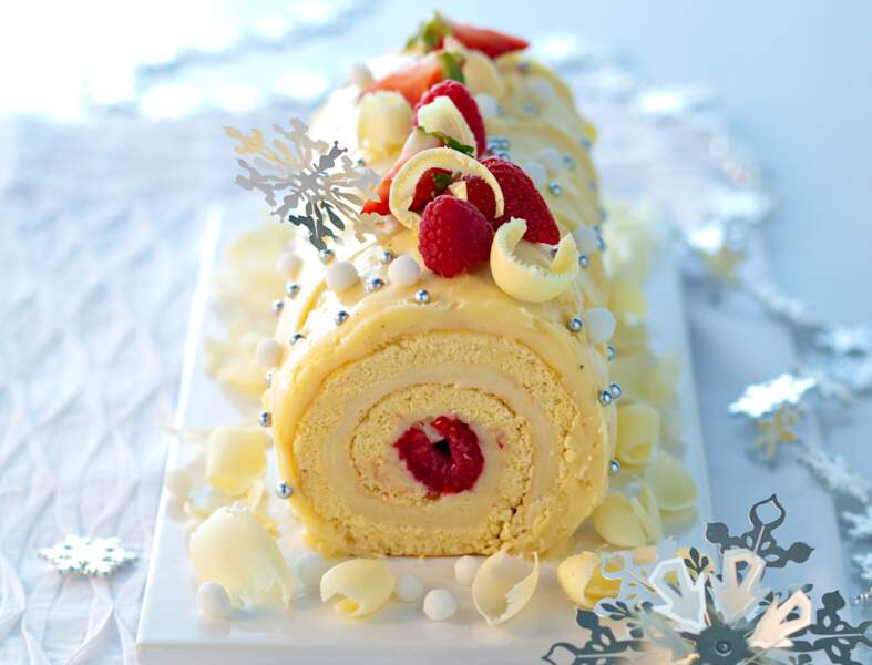 Bûche chocolat blanc – fruits rouges