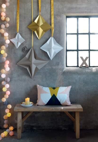 Une déco de Noël pastel en papier : les étoiles pastels