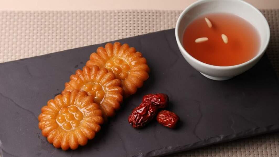 Yakgwa (biscuits frits au gingembre et au miel)