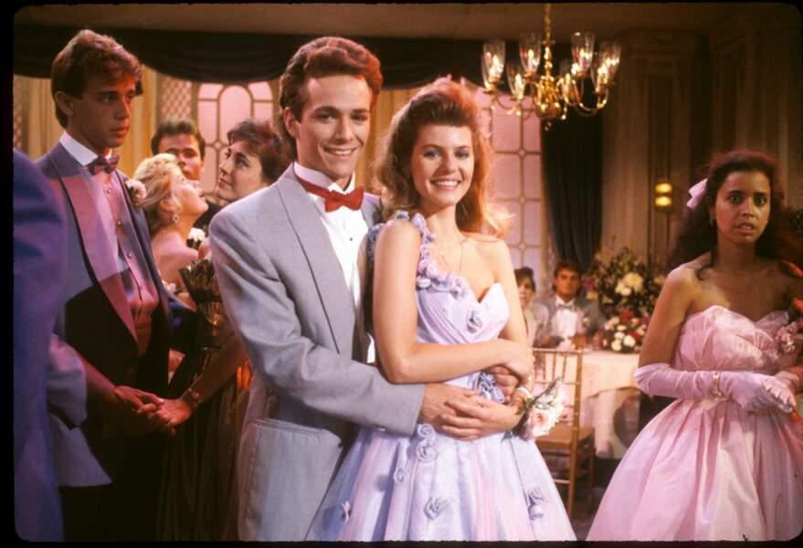 """Luke Perry dans la série télévisée """"Amoureusement vôtre"""" en 1987."""