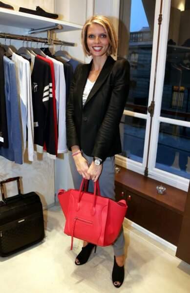Côté look en 2012 Slyvie Tellier évolue de plus en plus vers un style working girl chic