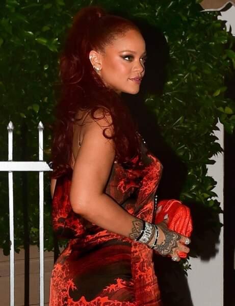 Les cheveux rouges de Rihanna