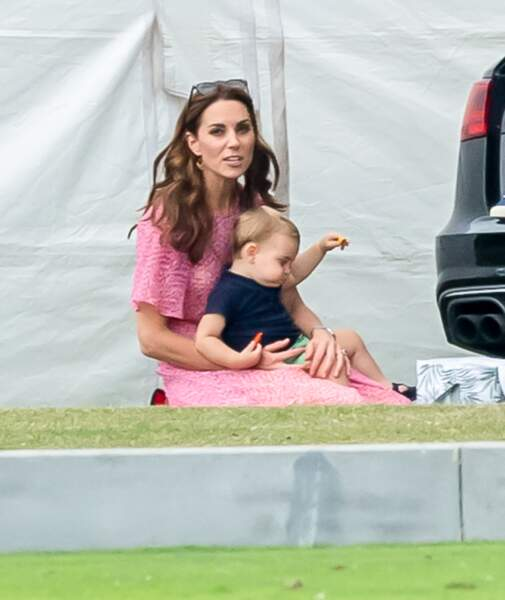 La duchesse de Cambridge s'est occupée de ses trois enfants Louis...