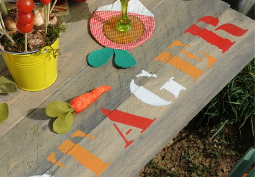 Des casiers en table de jardin