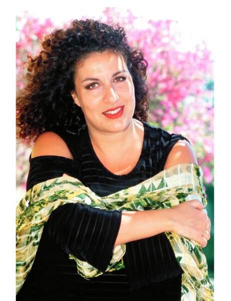 La chanteuse en 1999, alors âgée de 37 ans