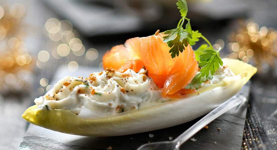 Endive croquante, saumon et mousse de ricotta