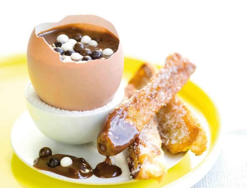Œufs au chocolat coulant et ses mouillettes de pain perdu