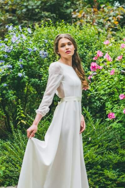 Mariage en hiver : Robe de mariée L'Envoûtante par Adeline Bauwin