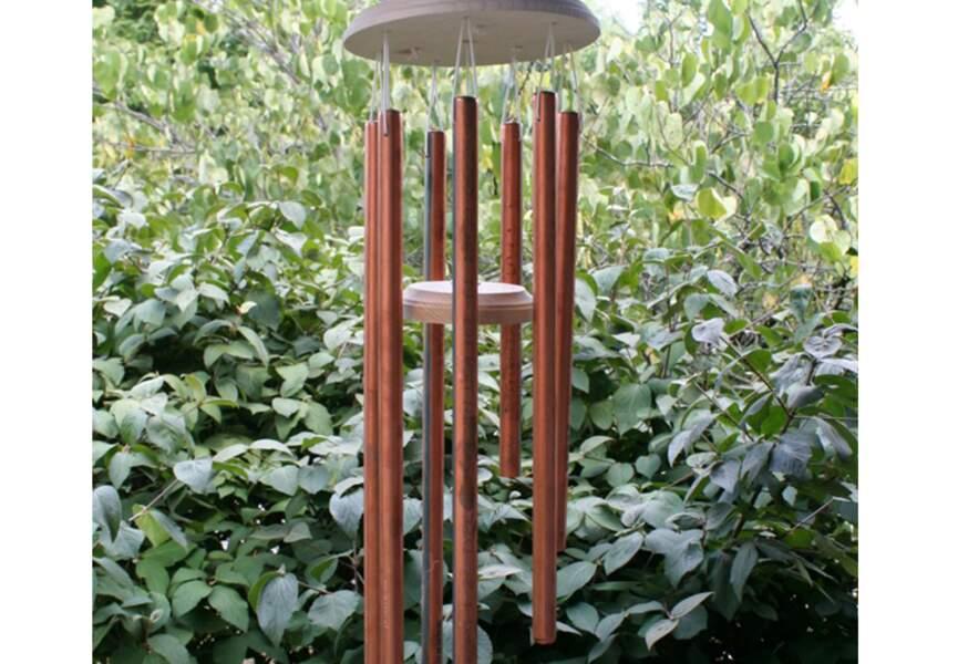 Un carillon avec des cuivres
