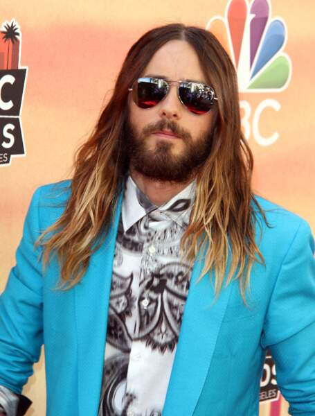 Jared Leto et ses cheveux longs façon tie and dye