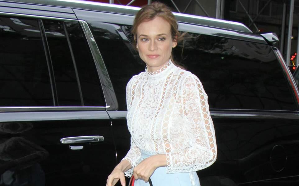 Diane Kruger en blouse en dentelle