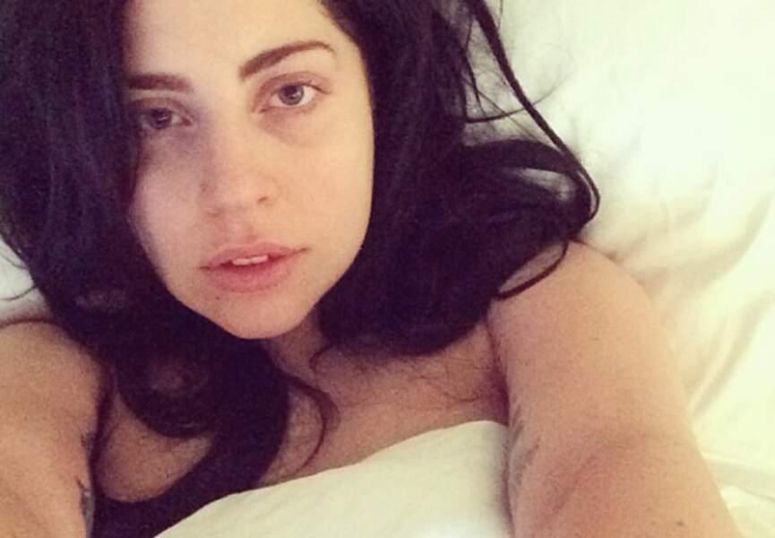 Lady Gaga, au saut du lit, totalement méconnaissable