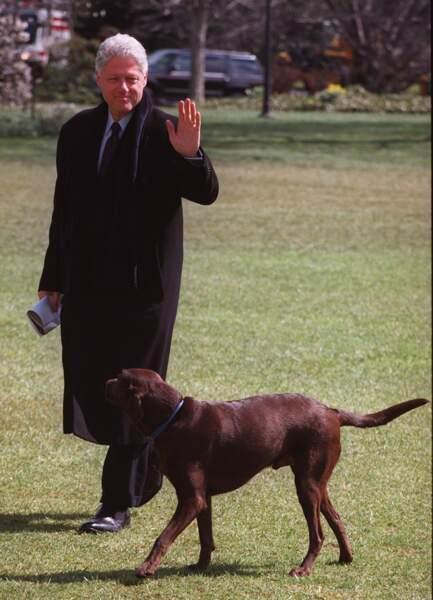 Bill Clinton avec Buddy, en 1999