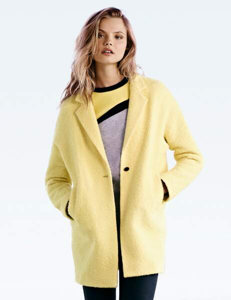 Le manteau jaune