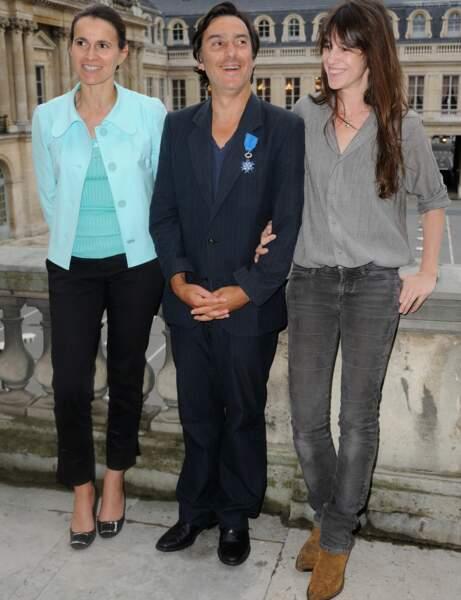 Charlotte Gainsbourg : le look gris souris