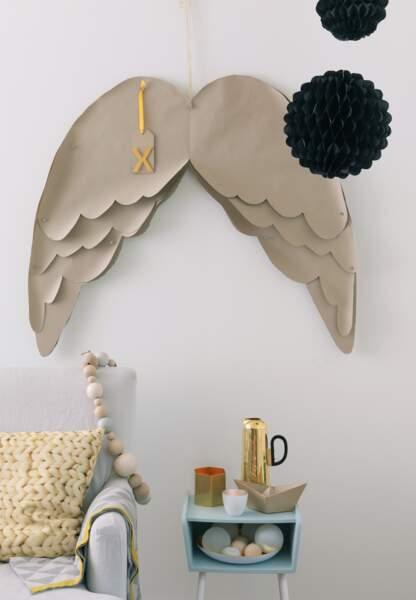 Une déco de Noël pastel en papier : les ailes d'ange