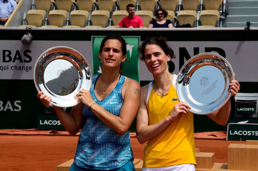Amelie Mauresmo et Nathalie Dechy, gagnantes de la finale dame du Trophée des légendes