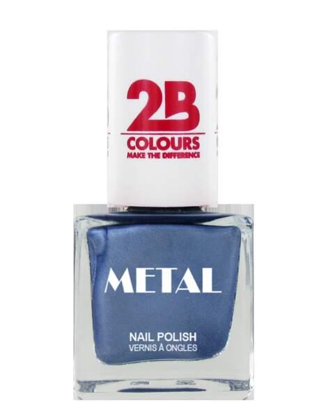 Manucure bleu nuit