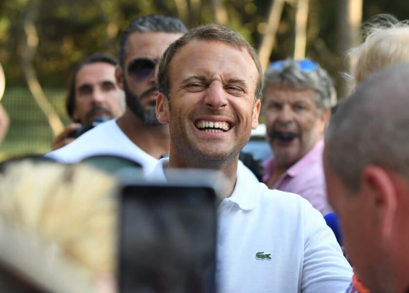Emmanuel Macron pose un lapin au prince William