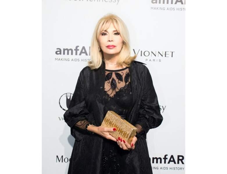 Un carré aux épaules pour la Fashion Week de Milan en 2015