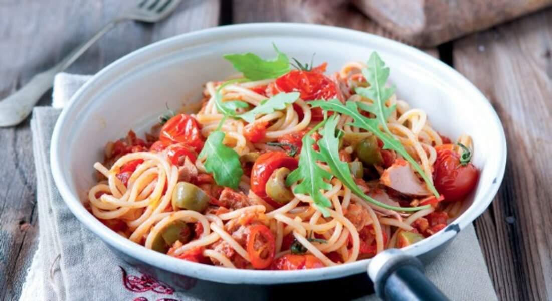 Spaghetti au thon et tomates cerises