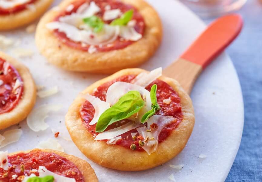 Pizzettes frites parmesan-basilic