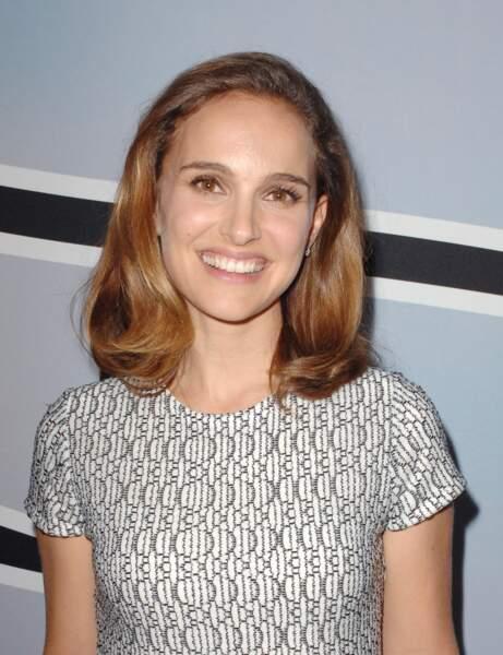 Ma chevelure manque cruellement de tonus, j'adopte le carré maxi de Natalie Portman
