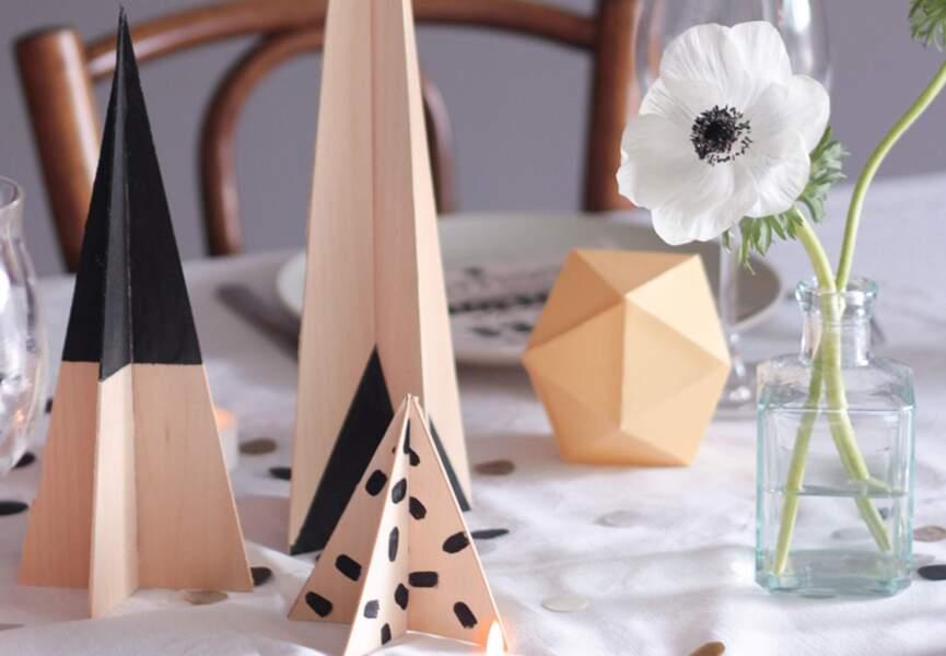 Des sapins pour décorer la table