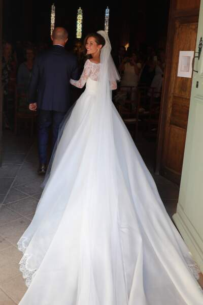 Emile Broussouloux portait une robe imaginée par Fabienne Alagama
