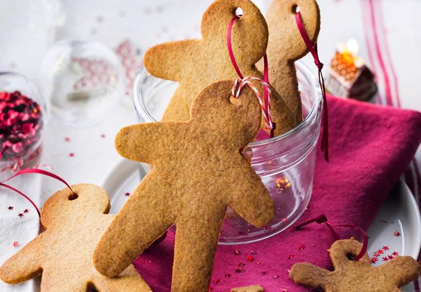 Gingerbreads bonshommes et flocons à suspendre