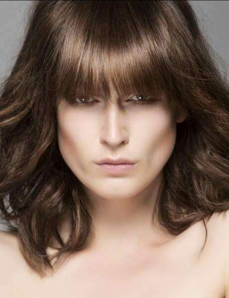 Mon visage est très anguleux, j'adopte la coupe mi-longue effilée de Laurent Decreton