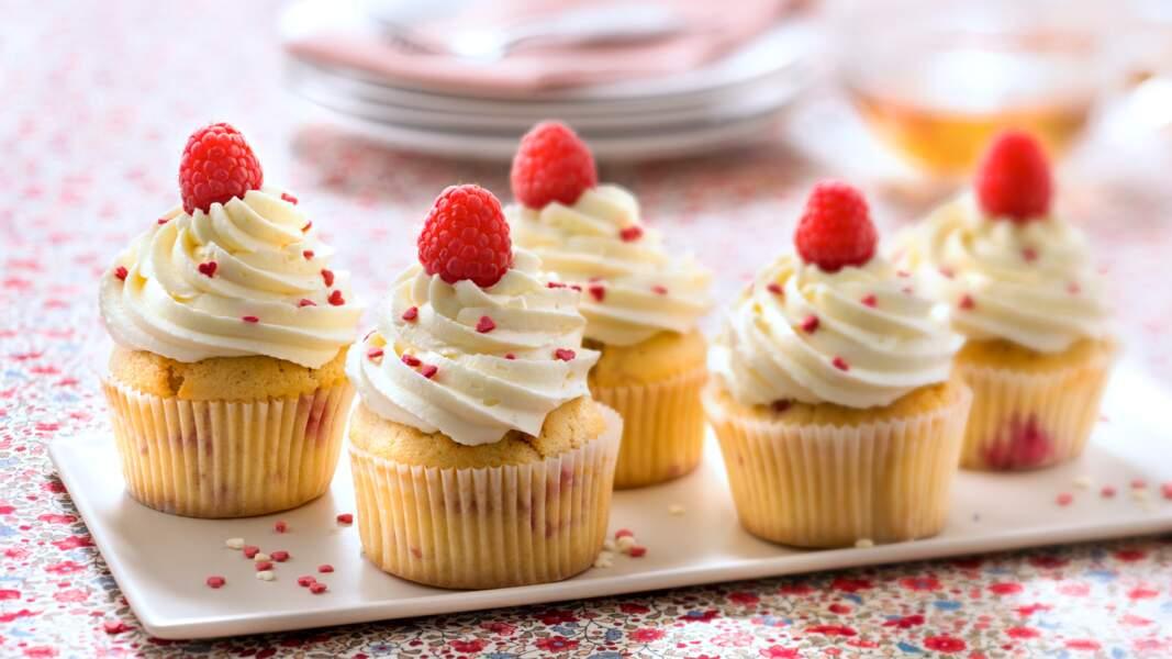 Cupcakes framboise glaçage au chocolat blanc