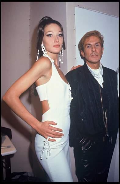 En 1992, Carla Bruni défile pour Claude Montana