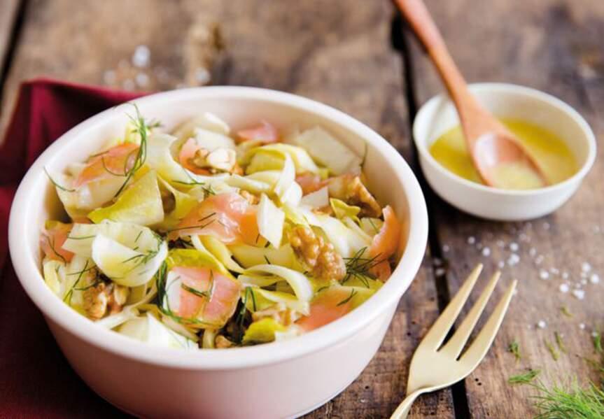 Salade d'endives aux noix, aneth et saumon fumé
