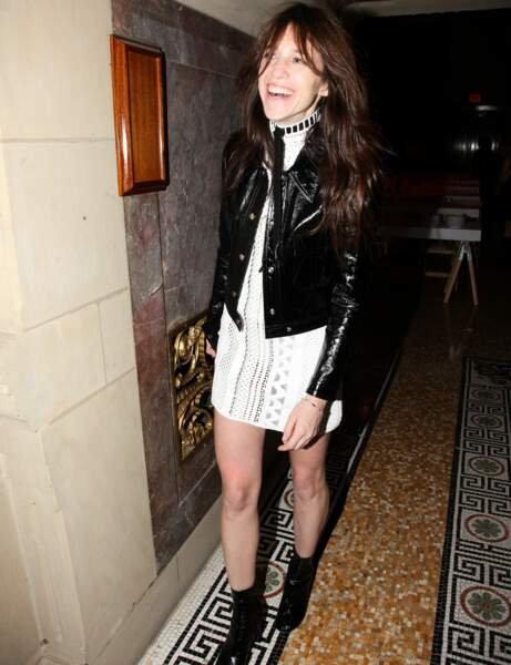 """Charlotte Gainsbourg : le look """"party girl"""""""