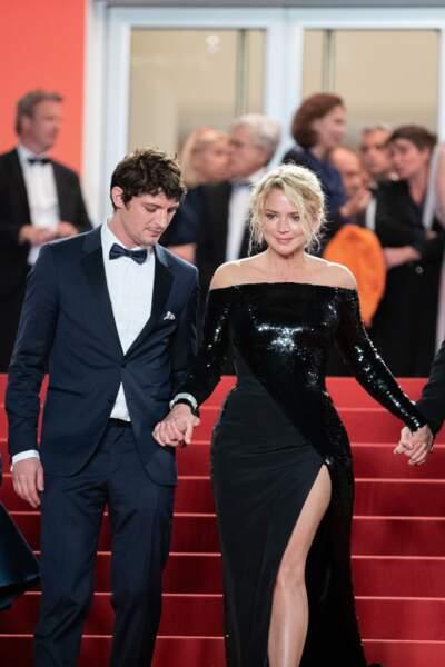 """Virginie Efira et son compagnon Niels Schneider à la première de """"Sibyl"""" au festival de Cannes, le 24 mai 2019."""