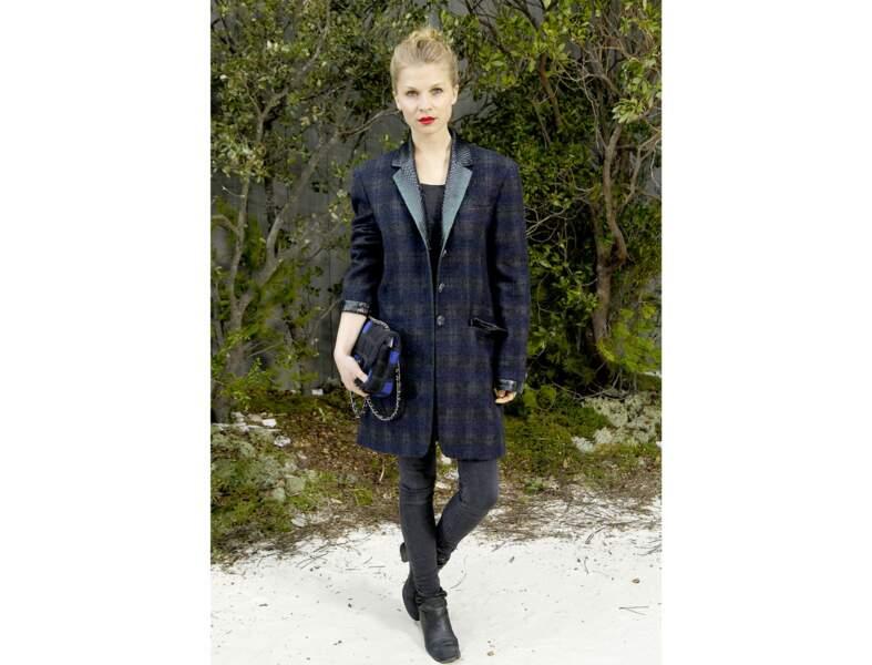 Le manteau tartan par Clémence Poésy