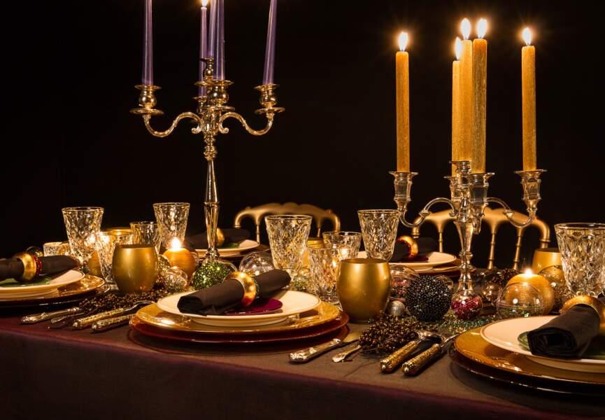 Une table festive, baroque et scintillante