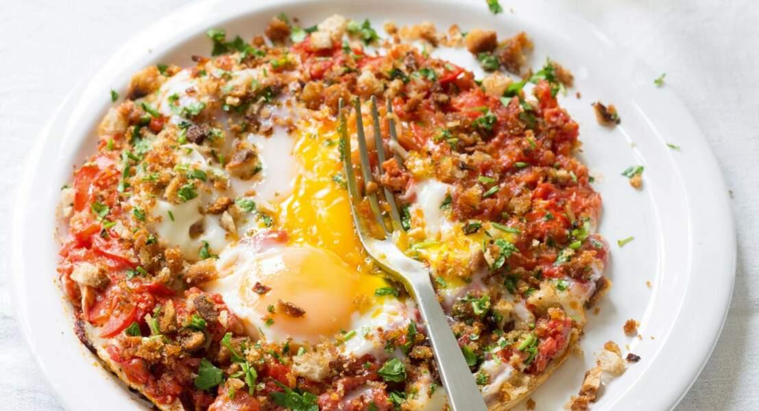 Oeufs sur le plat, tomates & poivrons façon chakchouka de Catherine Kluger