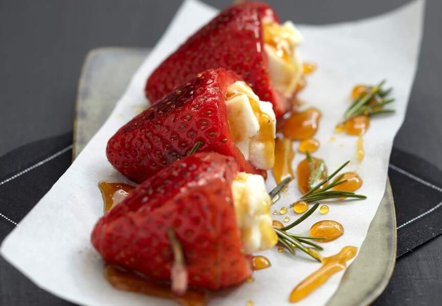 Brochettes fraises-miel-romarin au Pouligny Saint-Pierre